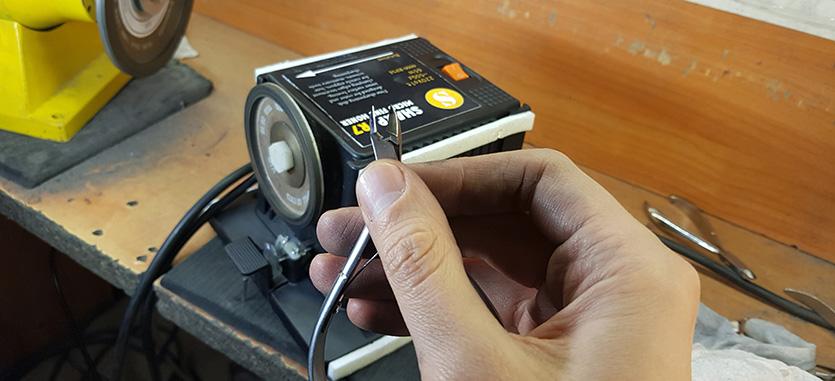 Станок для заточки маникюрного инструмента в СтудиоШарп