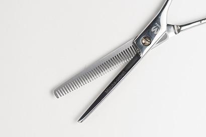 Заточка парикмахерскин ножниц на Таганской