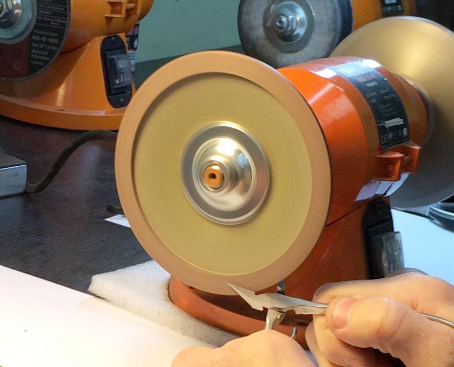 Изображение - Курсы заточки маникюрных и парикмахерских инструментов 642665