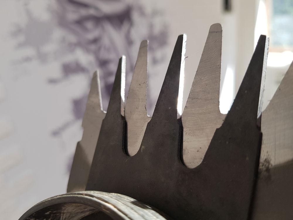 Заточенные ножи кустореза