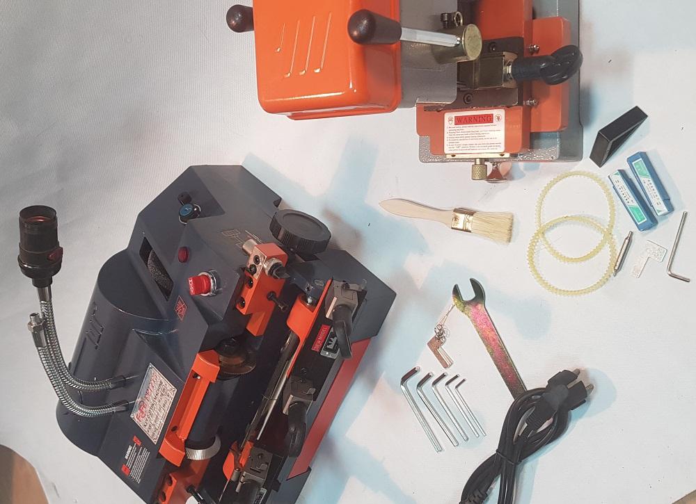 комплект, станок для изготовления ключей